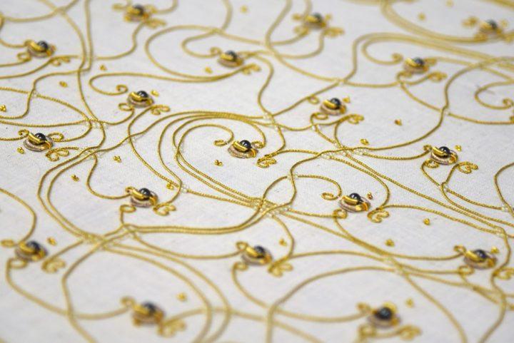 工芸にテクノロジーを取り入れるアーティスト Irene Posch 金糸を用いた「Embroidered Computer」を公開