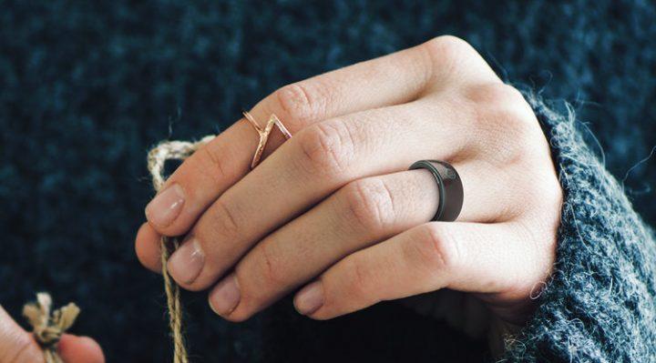 プロダクトデザイナー Hussain Almossawi 指輪のようなスマート医療器具「Oxygem」を公開