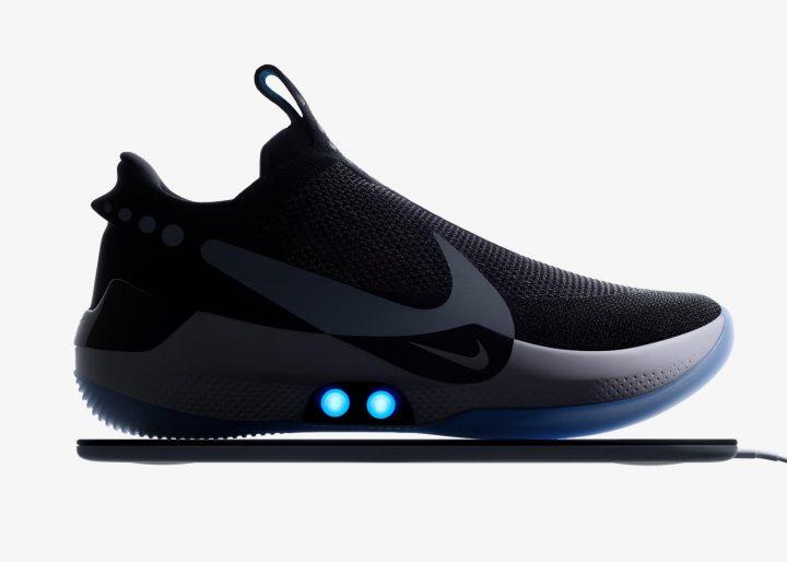 足のフィッティングを自動調節するスニーカー 「Nike Adapt BB」が登場