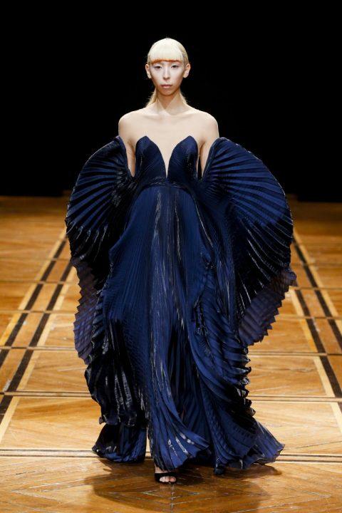 ファッションブランド「Iris van Herpen」による オートクチュールコレクション「SHIFT SOULS」