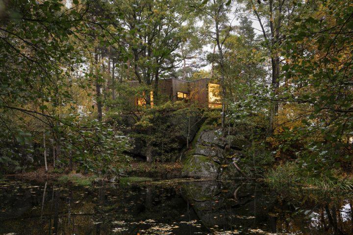 ノルウェーの建築事務所 スノヘッタが病院と連携 木造シェルター「Outdoor Care Retreat」を完成