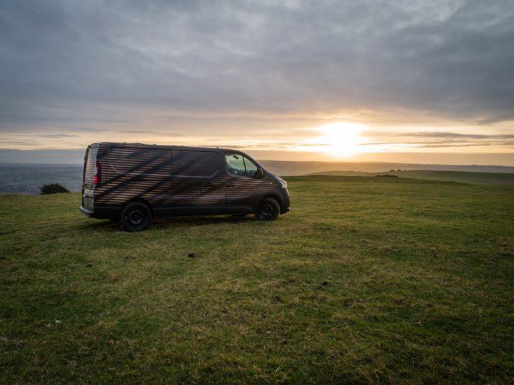 日産自動車が「NV300コンセプトバン」を公開 プロ向きの移動ワークショップが可能に