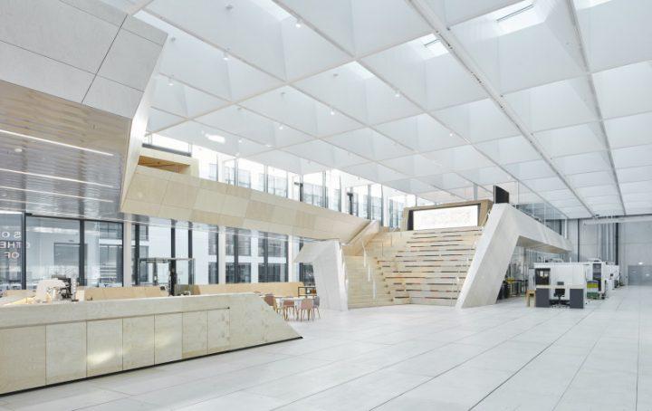 建築事務所スノヘッタが手がけた 21世紀のクリスタルアトリエ 「Swarovski Manufaktur」