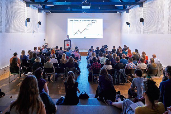 ハーグ王立芸術アカデミーが望む、ノンリニアな社会に生きるデザイナーの可能性