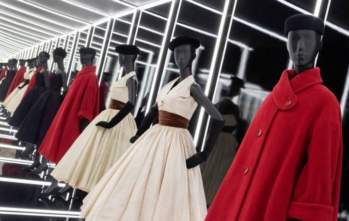 展覧会「Christian Dior: Designer of Dreams」 ヴィクトリア・アンド・アルバート博物館で開催