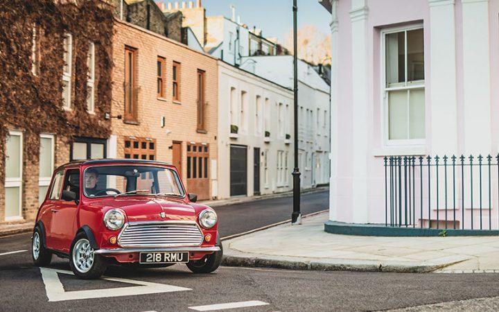 オリジナルのクラシック・ミニが復活 英SWIND社がEVで100台限定生産
