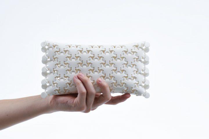 プロダクトデザイナー 阿部憲嗣の「CY-BO」 道具の境界を越える細胞のような梱包材