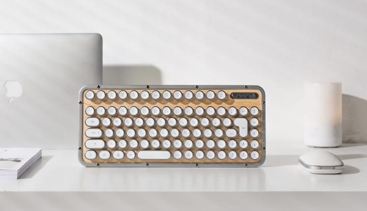 スタイル・質感・機能をとことん追求したキーボード 「AZIO」の日本特製版が発売