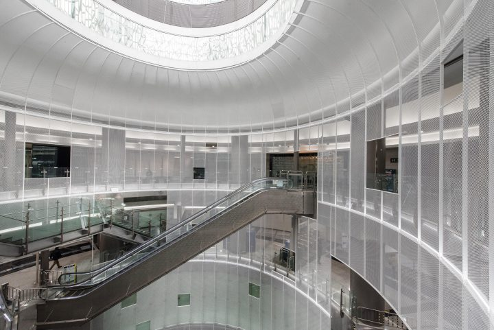 ソウル・地下鉄ノクサピョン駅に「Dance of light」が完成 成瀬・猪熊建築設計事務所の初海外プロジェクト