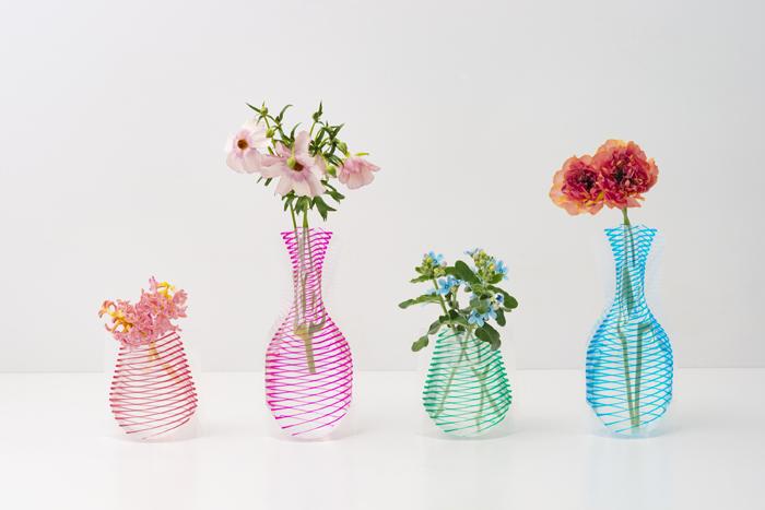 D-BROSから「フラワーベース」春の新作が登場 ビニールパックから生まれたユニークな花瓶