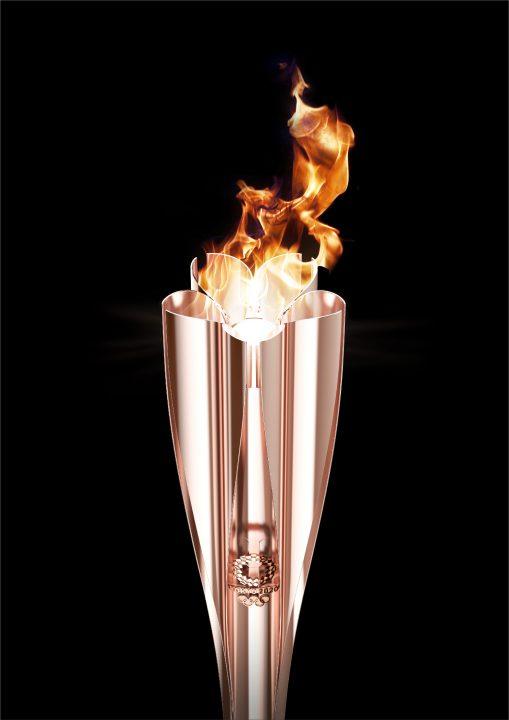 東京2020オリンピック聖火リレートーチが公開 デザインを手がけたのは吉岡徳仁