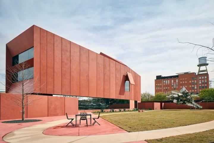 建築家 デイヴィッド・アジャイが手がける サンアントニオの美術館「Ruby City」