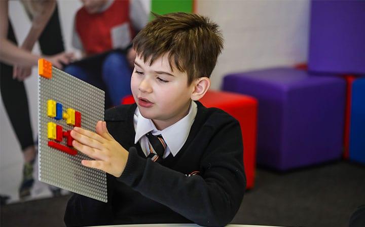 点字ブロック版LEGOがヨーロッパで試験開始 視覚障害をもつ子どもが遊びながら学習できるイノベーション