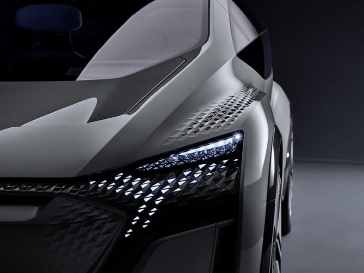 大都市のためのモビリティ「Audi AI:ME」が公開 渋滞から隔離された快適なハイテク空間を目指す