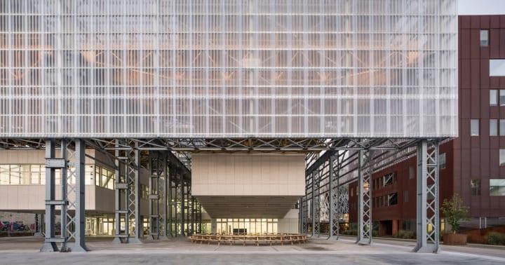ナント高等美術学校の校舎「Alstom warehouses」が改装 同市の産業遺産にオマージュを捧げる建築