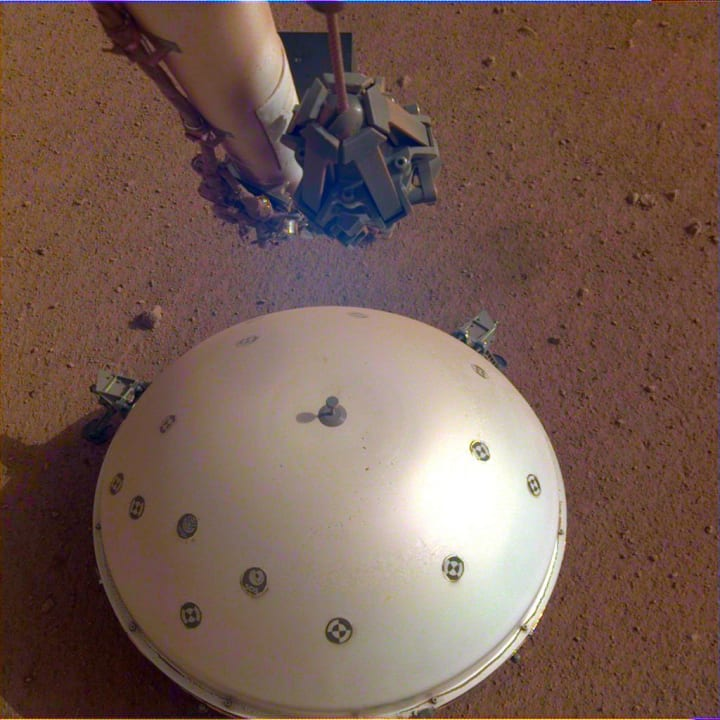 「マーズクェイク」を初めて観測!? 火星探査機 InSightが火星で地鳴りをキャッチ