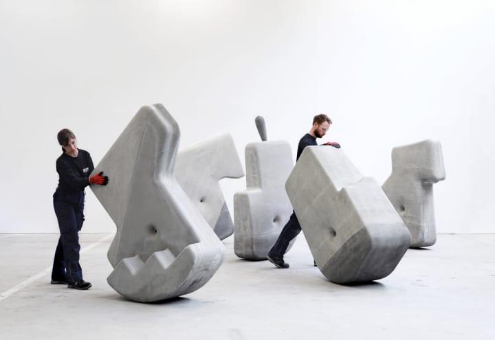 Matter Designが「Walking Assembly」で提案する 古代の巨大な石組みの知恵を借りたコンクリートブロック