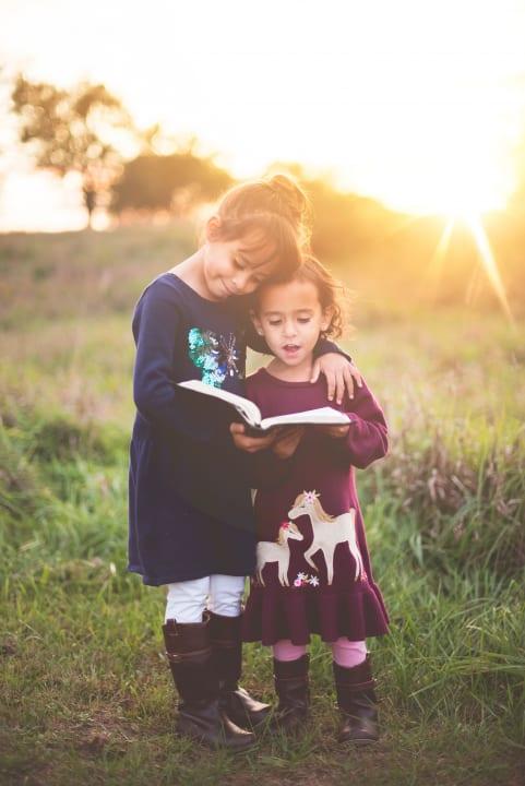 ボキャブラリーと読む力の発達に差が出るのは本の読み聞かせ!? オハイオ州立大学の研究者らが発表