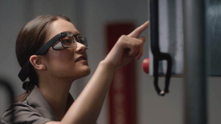 産業向けウェアラブルデバイス「Google Glass」 新モデルとなる「Enterprise Edition 2」を発表