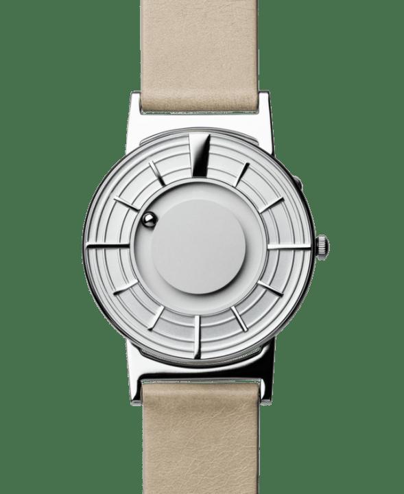 目で見るだけでなく触って時間を知ることができる 「さわる時計 Bradley」の新モデルが登場