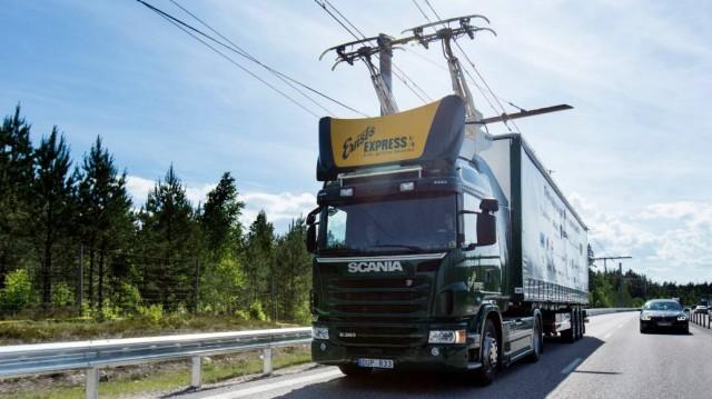 シーメンスが環境に優しいトラック輸送システムを提案 鉄道のようにハイウェイを電化する「eHighway」