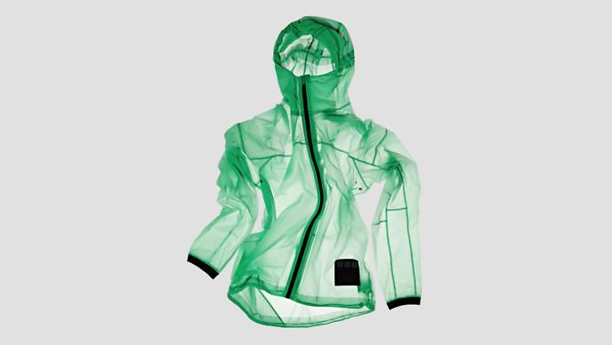 Vollebakから「太陽光で光るジャケット」が登場 スマホのライトで文字やイラストも書ける
