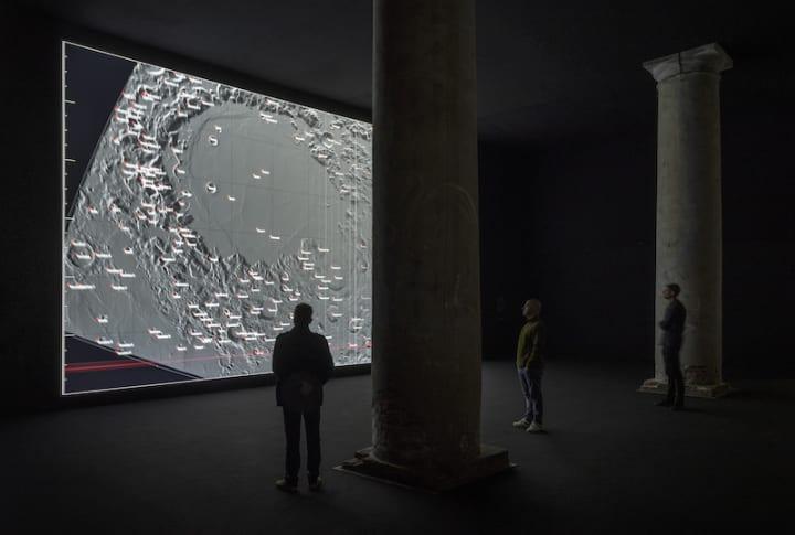 アーティスト 池田亮司が新作「data-verse」を公開 鑑賞者を広大なデータの世界に引き込むオーディオビジ…