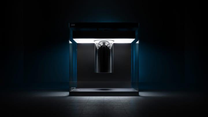 量子コンピュータ「IBM Q System One」 インダストリアルデザイナーたちが開発に協力