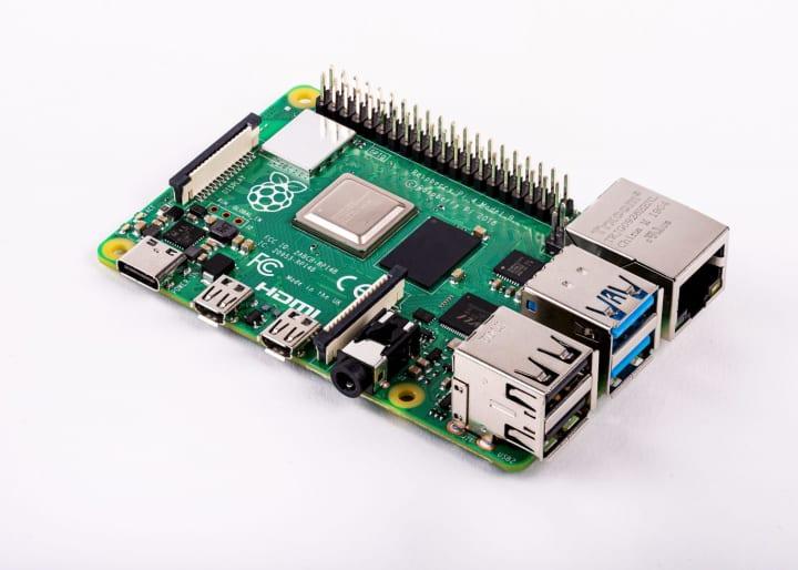 シングルボードコンピュータ「Raspberry Pi 4」が新登場 デュアルディスプレイ4K出力に対応