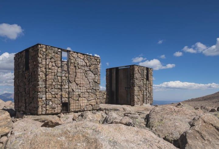 ロッキーマウンテン国立公園に作った軽量プレハブ構造の公衆トイレ AIA・Small Project Awards受賞作「Lon…