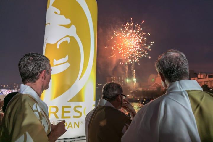 日本MGMリゾーツが大阪・夏の風物詩「天神祭2019」に協賛 奉拝船を出して船渡御に参加、仕掛け花火を奉納
