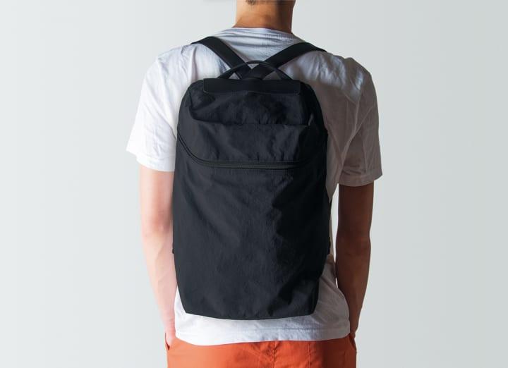 ポスタルコから新商品 Flat Pack が登場 仕事にもオフにも使えるスマートなバックパック