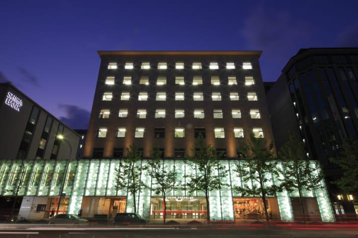 建築家 隈研吾のトークイベントが京都で開催 「COCON KARASUMA」開業15周年を記念