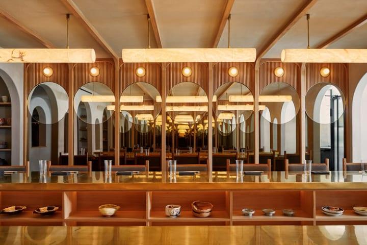 ニューヨーク・イーストヴィレッジにオープンした「Tsukimi」 中秋の名月をイメージしたモダンな和食レス…