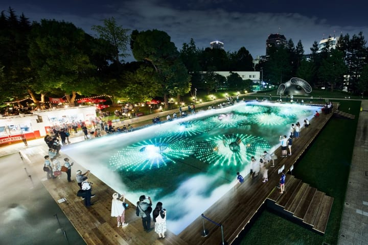 博展とWOWが「水と生きる SUNTORY 光と霧のデジタルアート庭園」を開催 期間中には博展50周年プライベート…