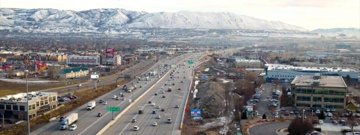 パナソニックが米ユタ州で交通データーネットワークを開発 遅延バスのために青信号の自動的な延長も可能に