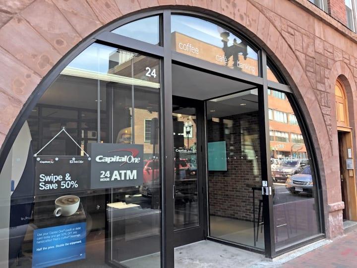 これからの銀行の姿とは。米キャピタルワンが組んだのはピーツ・コーヒー&ティー