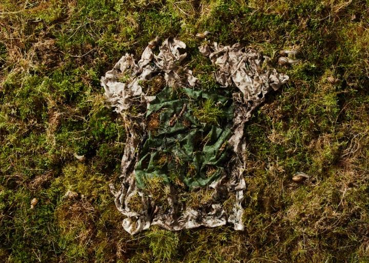 奇抜な素材で衣服を手がけるVollebak 12週間で土に帰る新たなTシャツを発表