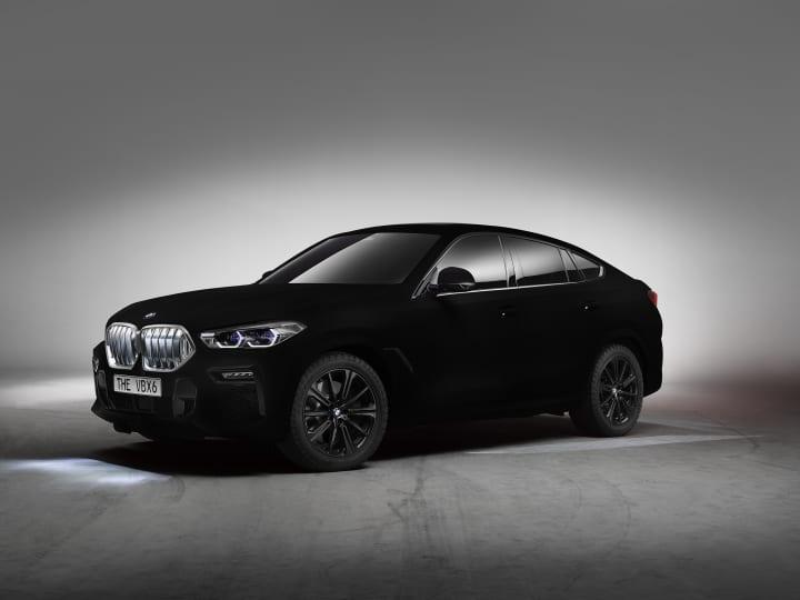新型「BMW X6」がフランクフルトモーターショーで世界初披露 外装はもっとも黒い物質「Vantablack®」を採用