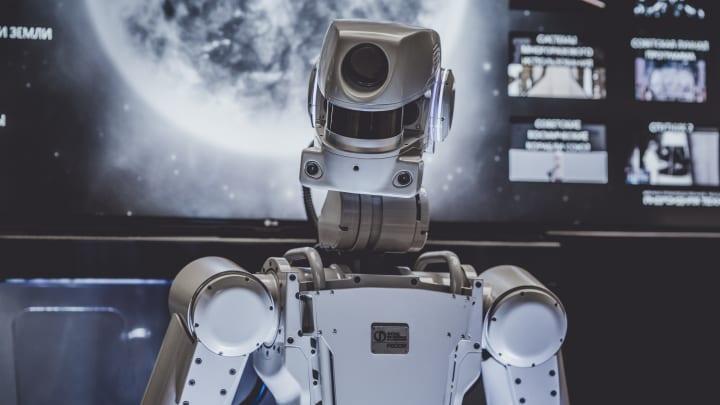 ユカイ工学とシーマン人工知能研究所が業務提携 次世代版コミュニケーションロボットの対話エンジンを共同…