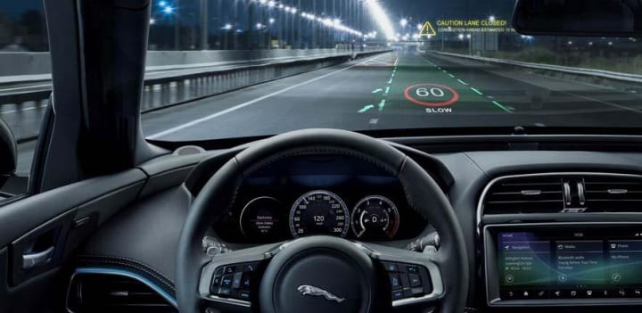 車に乗りながら3D映画が楽しめる!? ケンブリッジ大学が新しいHUD技術を開発中