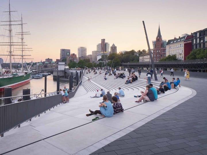 Zaha Hadid Architectsが手がけたハンブルクの遊歩道 洪⽔防止を強化しながら新たな観光スポットに