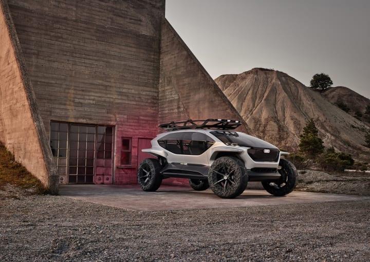 Audi の電気自動車オフロードモデル「AI:TRAIL quattro」 大自然を堪能するための大きなガラス面を配した…