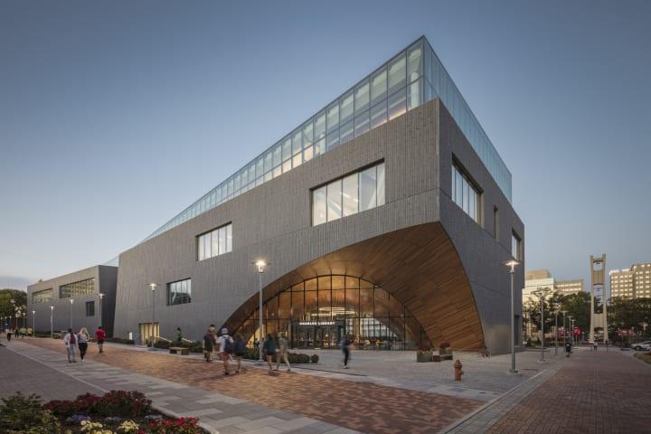 米テンプル大学の新しい図書館「Charles Library」 従来型の研究用図書館を再解釈したスノヘッタのデザイン