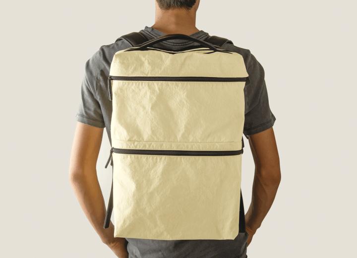 POSTALCOのBridge Bagシリーズから 中型バックパック「Three Pack LT」が登場