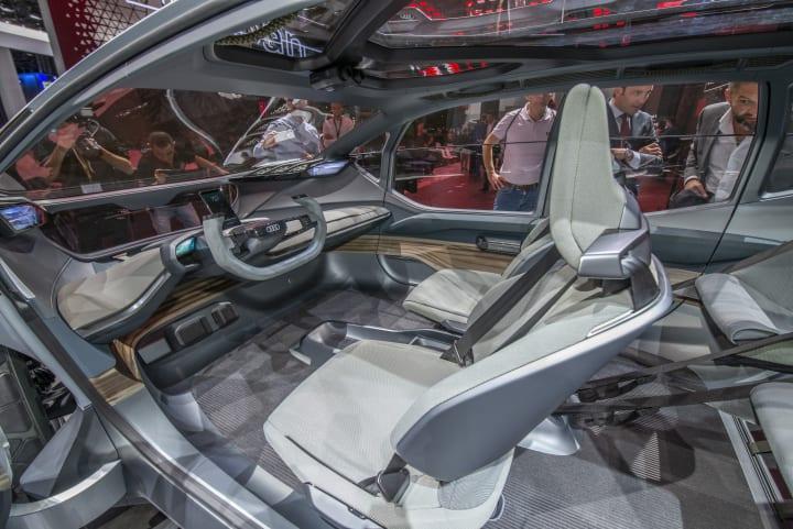 アウディのコンセプトカー「AUDI AI:TRAIL」 内装にはアルカンターラが採用