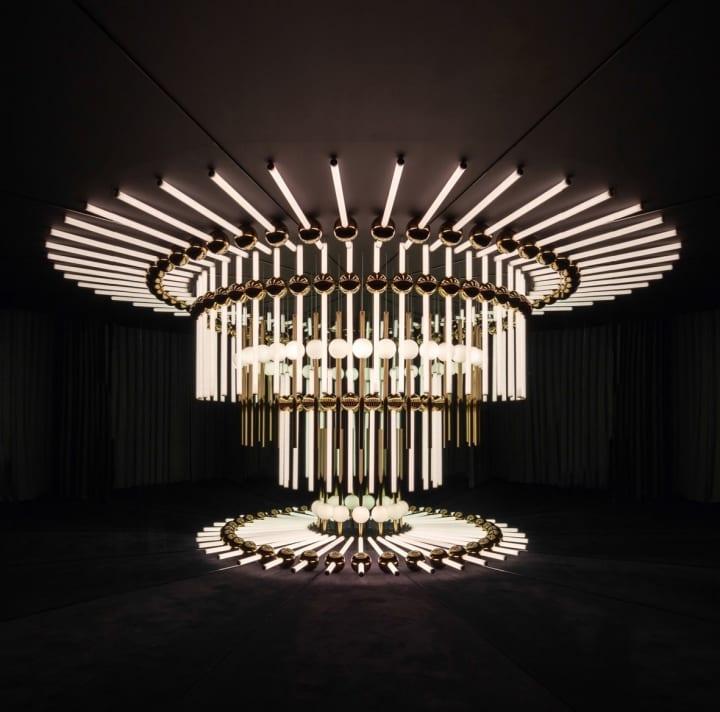 プロダクトデザイナー リー・ブルームによる新作 照明インスタレーション「KALEIDOSCOPIA」が公開