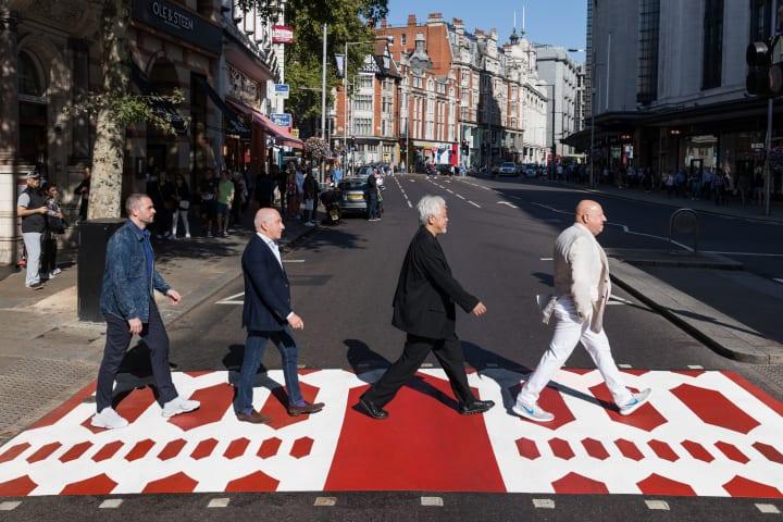 デザイナー 原研哉がデザインした「アートな横断歩道」 ロンドン・ケンジントン地区に登場