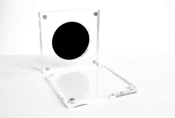 """""""購入可能な""""世界でもっとも黒いオブジェ 「Singularity 2」がKickstarterに登場"""