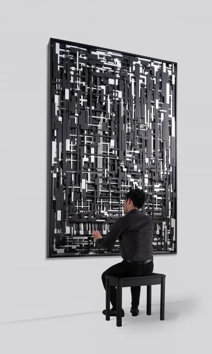 ヤマハが手がけた「演奏できる壁面作品」と 「音と振動が身体を包むオブジェ」が大阪・心斎橋に登場